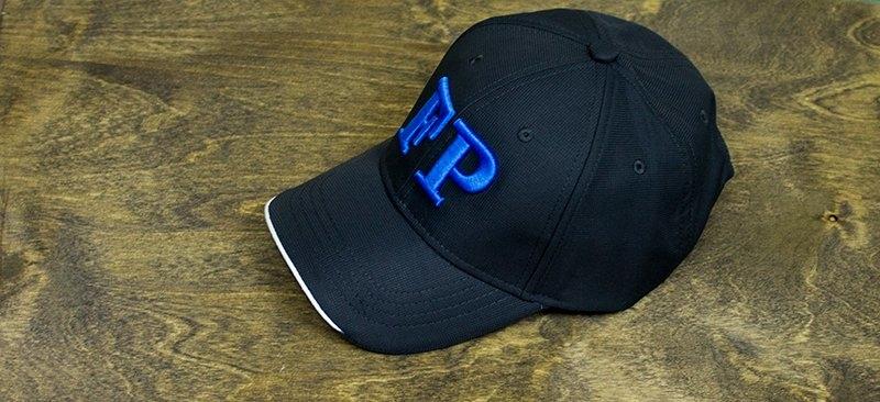 Вышивка логотипа на кепках - полиграфия СоваПринт
